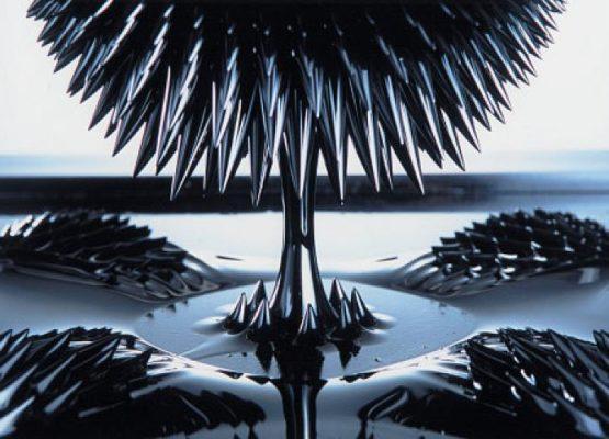 Arte em ferrofluido