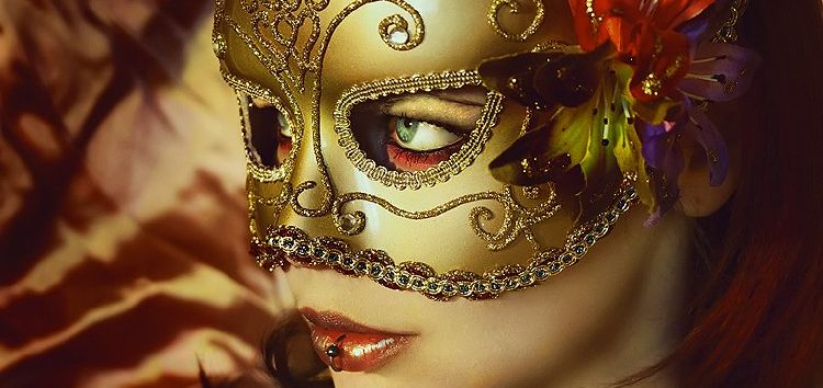 Priscilla Ávila: Máscaras no bloco do prazer
