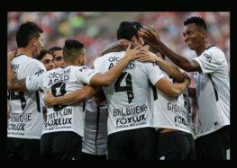 Sacheto: Corinthians emudece críticos com vitória no Maracanã