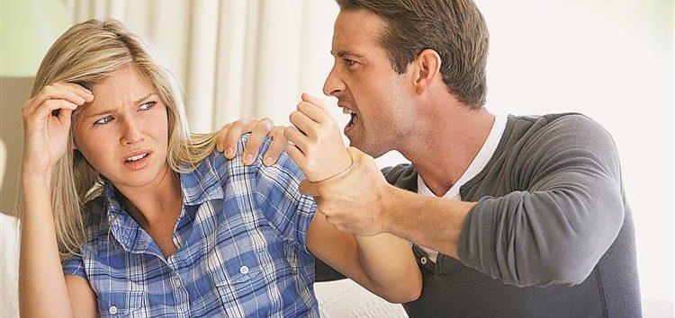 Lordello: Por que muitas mulheres perdoam agressão?