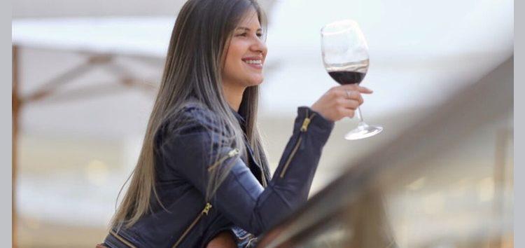 Daiany Barbosa: O Vinho e suas infinitas flutuações