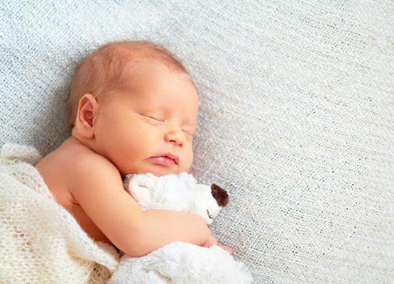 Flávia Andreoli: Quantas horas por dia o bebê deve dormir?