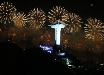 Renata Figueira de Mello: Pro ano nascer feliz…
