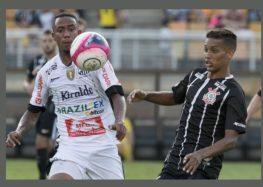 Victoria Salemi: Corinthians para para reclamar e não joga