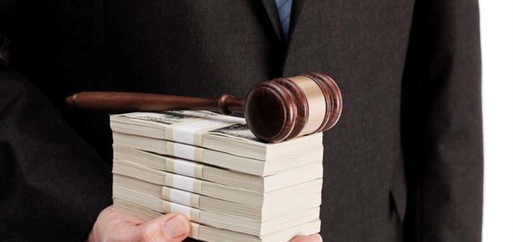 Cadê meu advogado:Empresas possuem direito a indenização por danos morais?
