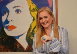 Ana Karin estreia coluna Elas.com falando sobre sororidade