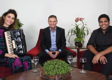 """""""Andreoli entre Amigos"""" com Bruna Caram e Paulo Vieira"""