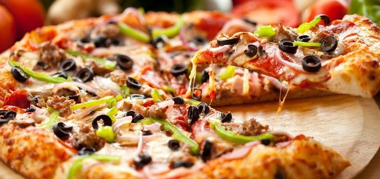 Priscilla Bisognin: Fazendo pizza em casa!