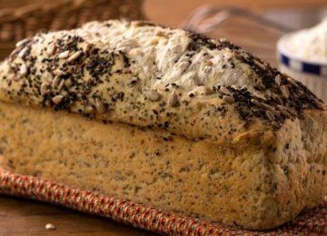 Priscilla Bisognin: Pão de chia com ameixa