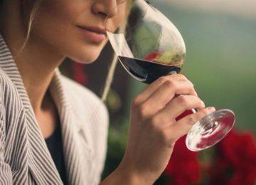 Iramaia Loiola: Só um entendido de vinho pode degustá-lo?