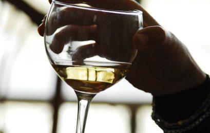 Iramaia Loiola: Beber sozinho ou não? Eis a questão!