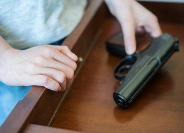 Lordello: É fácil guardar arma de fogo em casa?
