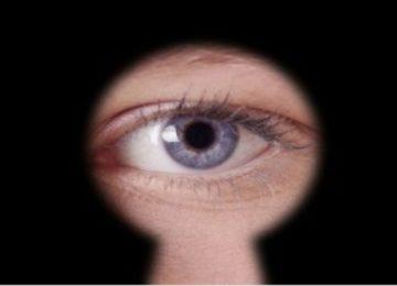 Valéria Gimenes: Voyeurismo ou curiosidade?