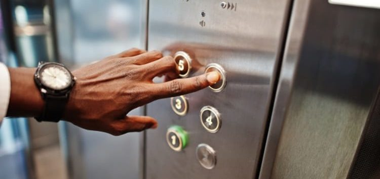 Jorge Lordello: Cuidados ao usar o elevador em tempos de coronavírus