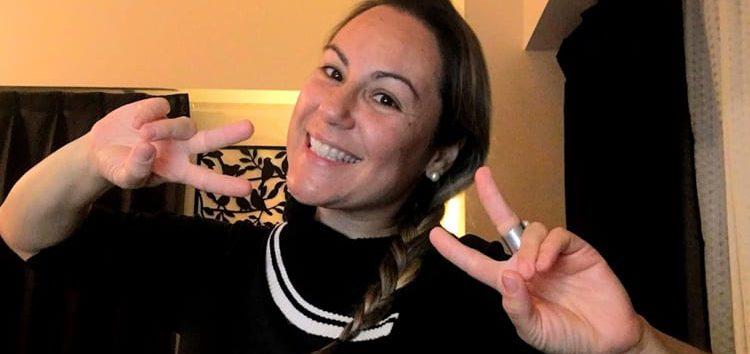 Márcia Sakumoto: Curiosos gestos no Japão