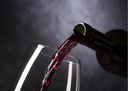 Iramaia Loiola: 10 trocadilhos sobre o vinho.