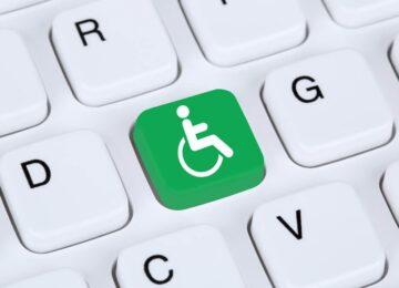 Fabíola Calixto: Ferramentas de acessibilidade na web para uma web mais democrática